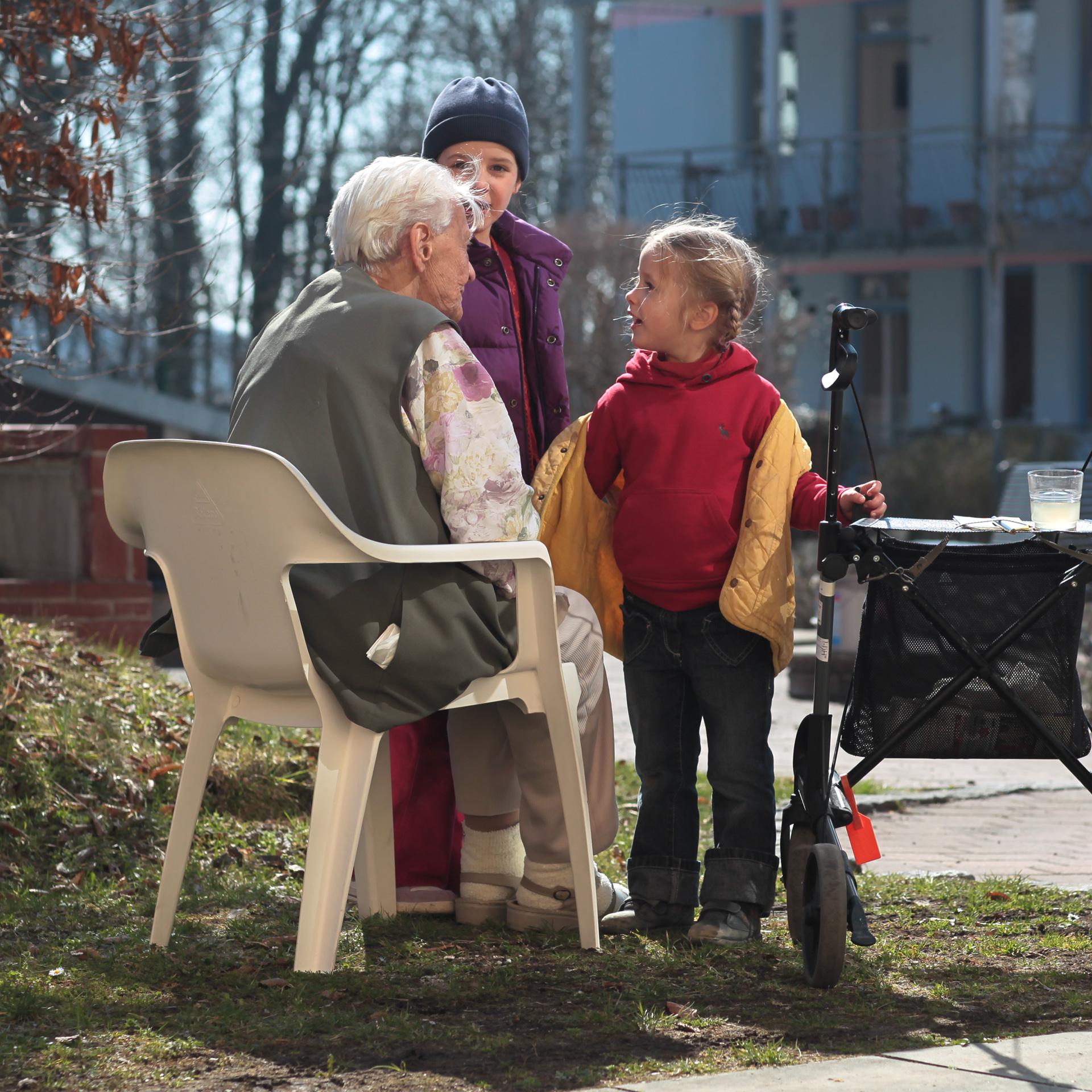In Marthashofen treffen Jung und Alt aufeinander